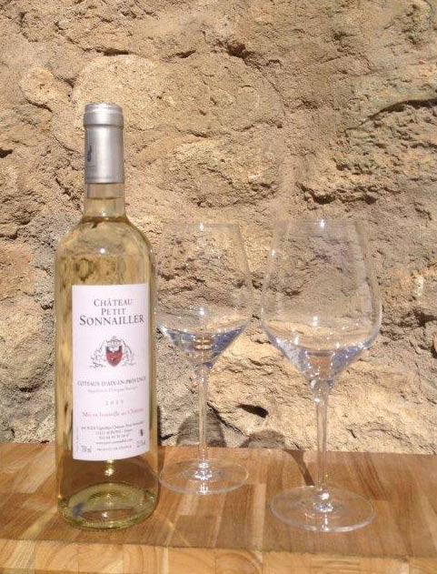 White wine Coteau Aix provence